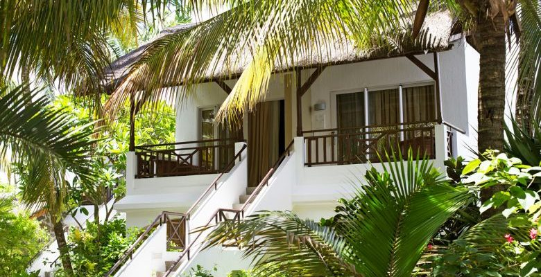 EBA_bungalows and garden