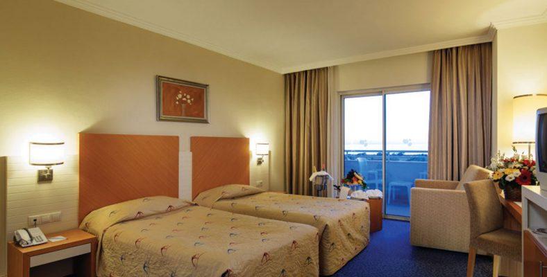 Crystal Admiral Resort Suites&Spa 5