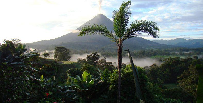 arenal volcano -articol 1