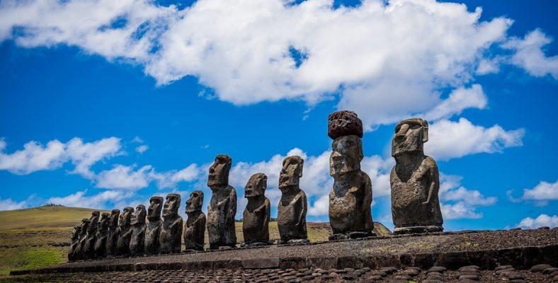 chile moai easter island site