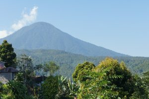 articol 3-5 agung mountain