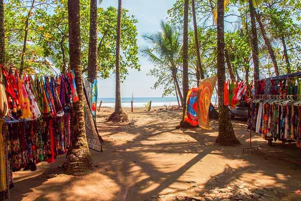 dominical costa rica beach