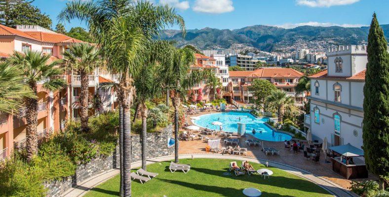 hotel-in-funchal-near-beach-garden